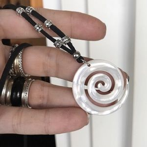 Genuine mother of pearl spiral chocker necklace